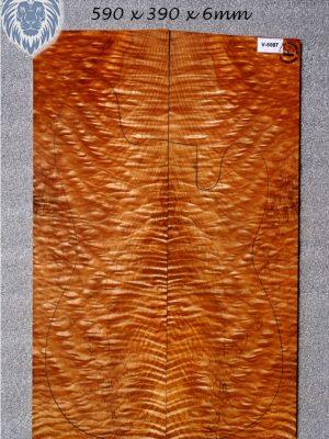 Prem. quilted Maple Guitar Top, 6mm  (V-8087)