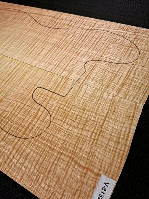 Prem. flamed Maple Guitar Top, 6,5mm  (V-8132)
