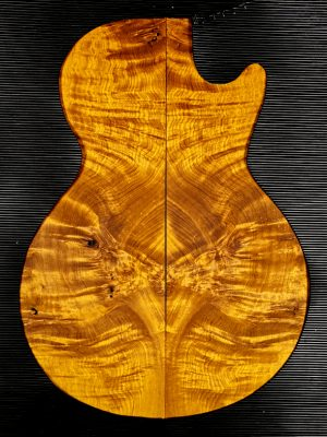 Prem. chinese Golden Phoebe Guitar Top, 4mm  (GP-124)