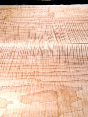 BIG prem. flamed Maple Guitar Top, 6mm  (V-8215)